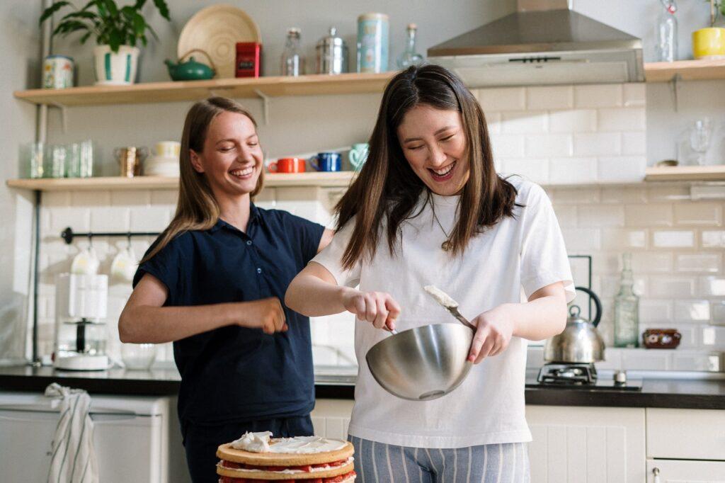 Gør madlavningen sjovere derhjemme med disse få tips